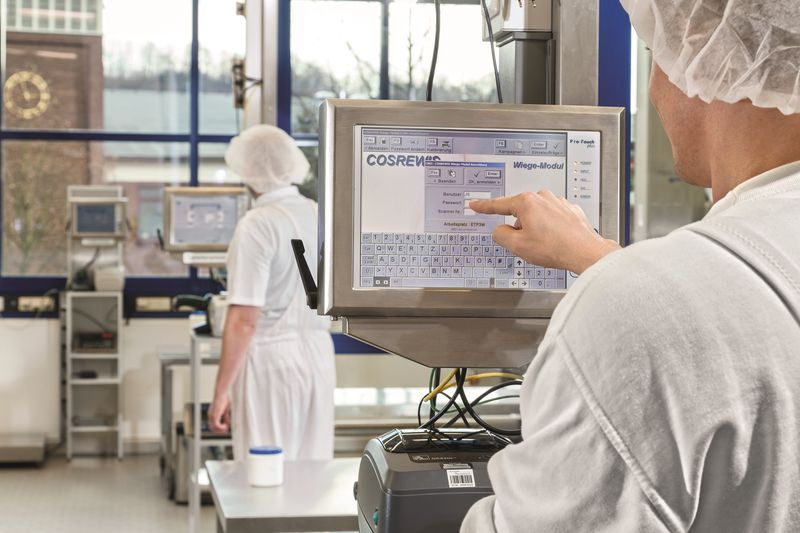 Projected Capacitive Touchscreen Monitors Boost Food Processing Efficiency And Productivity